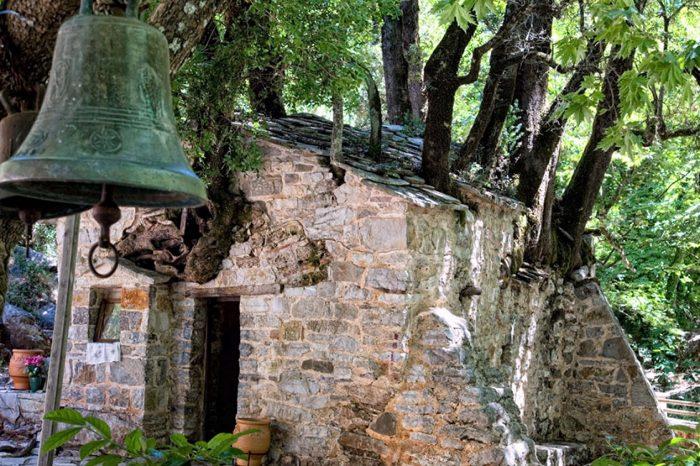 Αγία Θεοδώρα – Σπήλαιο Κάψια – Λουτράκι <BR>Φθινοπωρινές Μονοήμερες Εκδρομές Οκτωβριος Νοέμβριος στην Ελλάδα</BR>